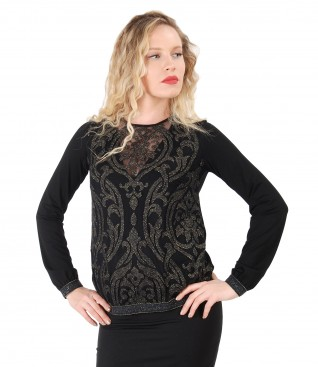 Blouse with golden lace