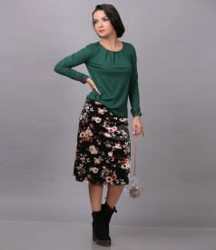 Velvet skirt with floral print and elastic jersey blouse