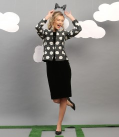 Elegant outfit with jacket with dots print and velvet dress