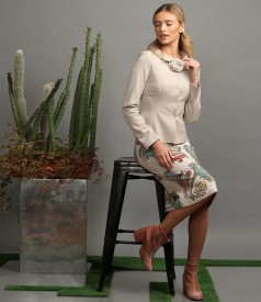 Elegant outfit with elastic fabric jacket and casual dress with printed viscose