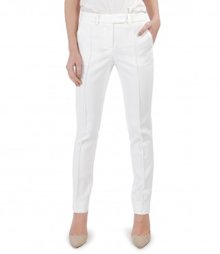 Ankle pants made of elastic fabric