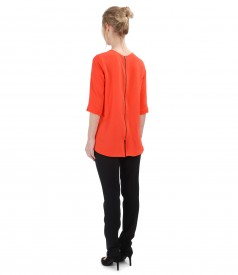 Ankle pants with casual blouse with zipper on the middle back