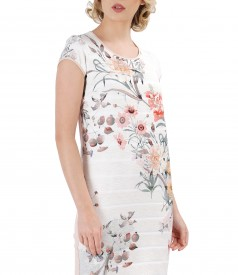 Casual dress with floral motifs