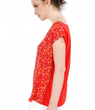 Casual blouse with printed front and floral motifs
