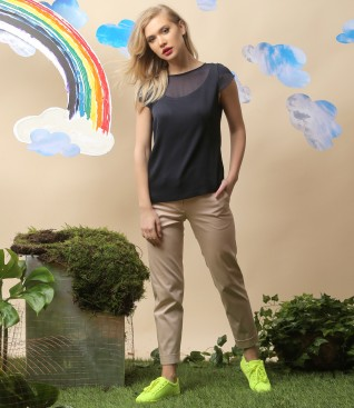 Casual outfit with viscose blouse and textured cotton pants