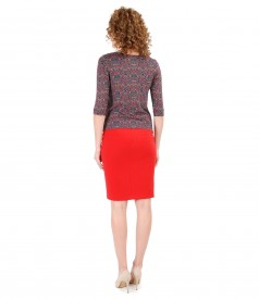 Elegant outfit with elastic fabric skirt and printed jersey blouse
