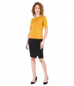 Office outfit with elastic jersey blouse and tapered skirt