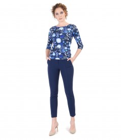 Elegant outfit with printed elastic jersey t-shirt and pants