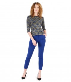 Office outfit with ankle pants and printed jersey blouse