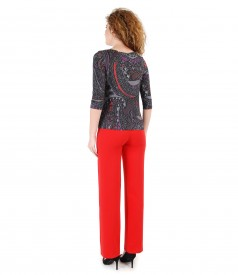 Straight pants with printed jersey blouse