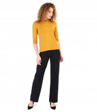 Elastic fabric pants and uni elastic jersey blouse