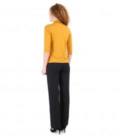 Elastic fabric pants and uni elastic jersey blouse