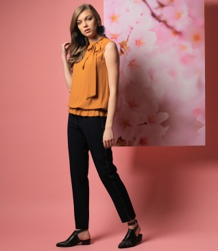 Printed viscose blouse with ankle pants