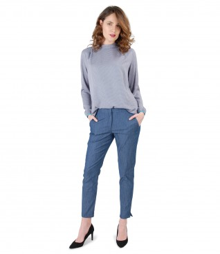 Elegant outfit with denim cotton pants with blouse with round collar