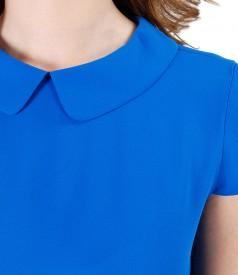 Elegant blouse with round collar