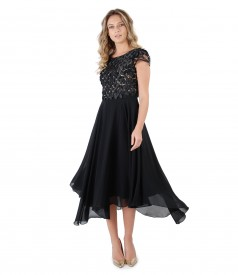 Evening dress with lace corset with petals