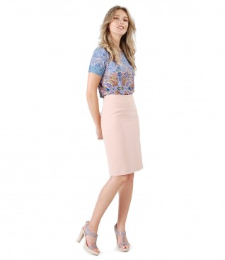 Elastic jersey blouse with digital print and tapered skirt