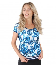Elegant blouse made of printed jersey