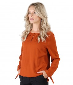 Elegant viscose blouse
