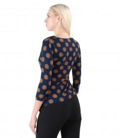 Shirt made of elastic jersey printed with circles