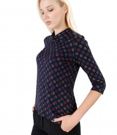 Shirt made of elastic jersey with 3/4 sleeves