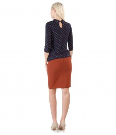 Elegant outfit with elastic jersey shirt printed and office skirt