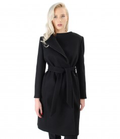Coat made of thick elastic fabric with cord