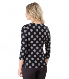 Shirt made of elastic jersey printed with circles