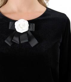 Black elastic velvet dress with brouch