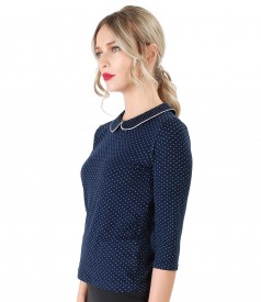 Elegant elastic jersey blouse with lace corner print