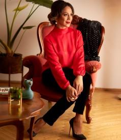 Viscose blouse with black velvet pants