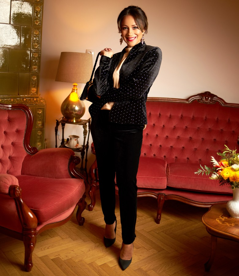 Elegant outfit with velvet jacket and blouse made of satin viscose