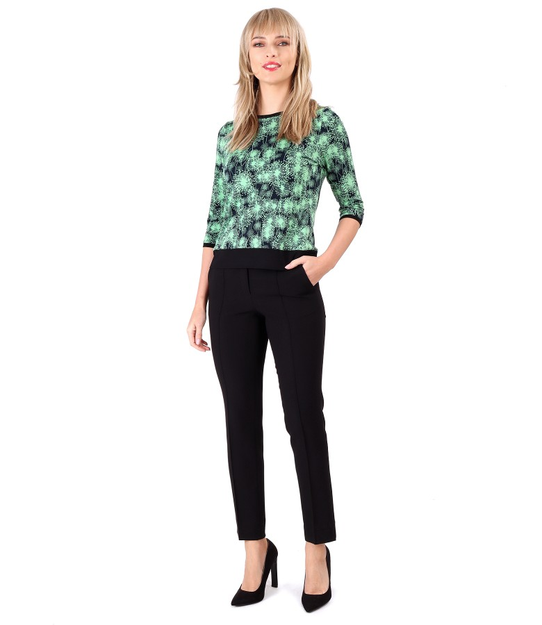 Elegant outfit with ankle pants and printed jersey blouse