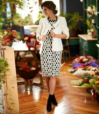 Elegant outfit with viscose loops jacket and midi dress