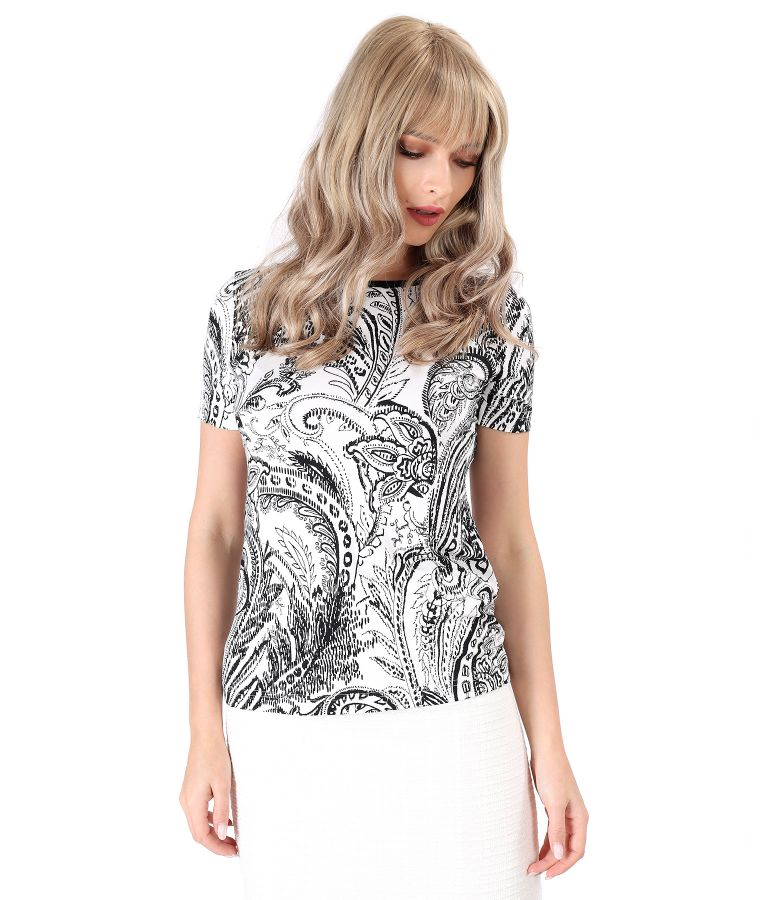 Jersey blouse printed with floral motifs