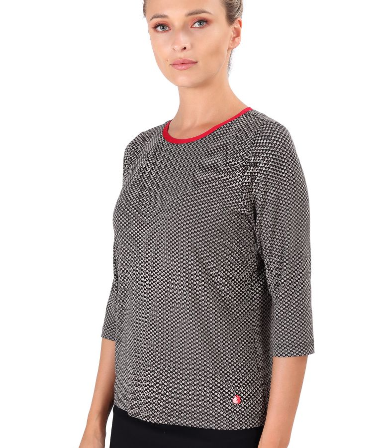 Elegant blouse made of printed elastic jersey