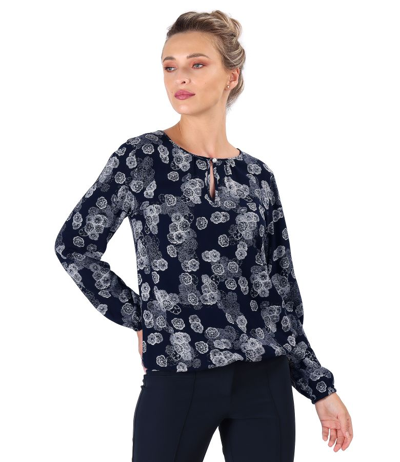 Elegant viscose blouse printed with floral motifs