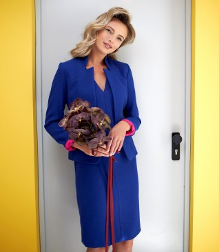 Elegant outfit with dress and jacket made of elastic fabric
