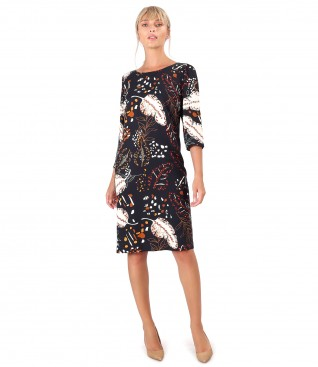 Casual dress made of viscose printed with floral motifs