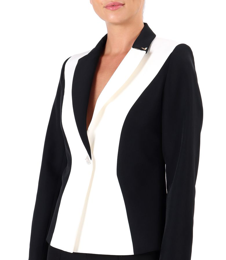 Elastic fabric jacket in two colors