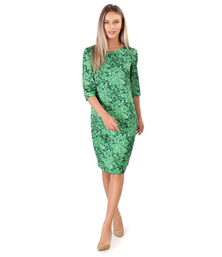 Casual satin dress printed with floral motifs