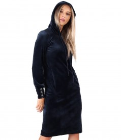 Velvet dress with hood and trimmings on the cuffs
