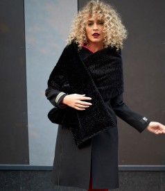 Elegant coat with wool and decorative zippers