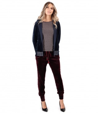 Casual outfit with sweatshirt and velvet pants