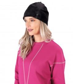 Padded hat made of soft elastic velvet