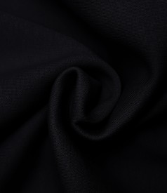 Blouse made of thick cotton with pocket on the front