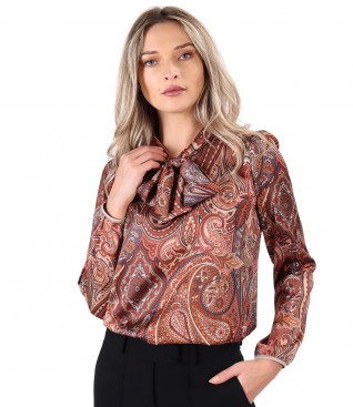 Elegant blouse made of printed satin with paisley motifs