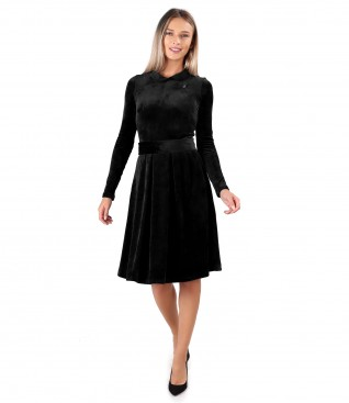 Velvet dress with round collar