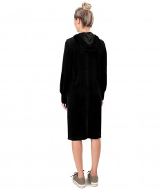 Hooded velvet dress with elastic lining on the cuffs