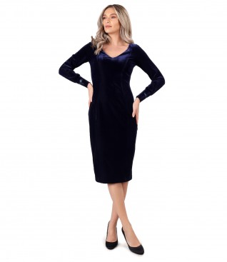 Elegant dress made of uni elastic velvet